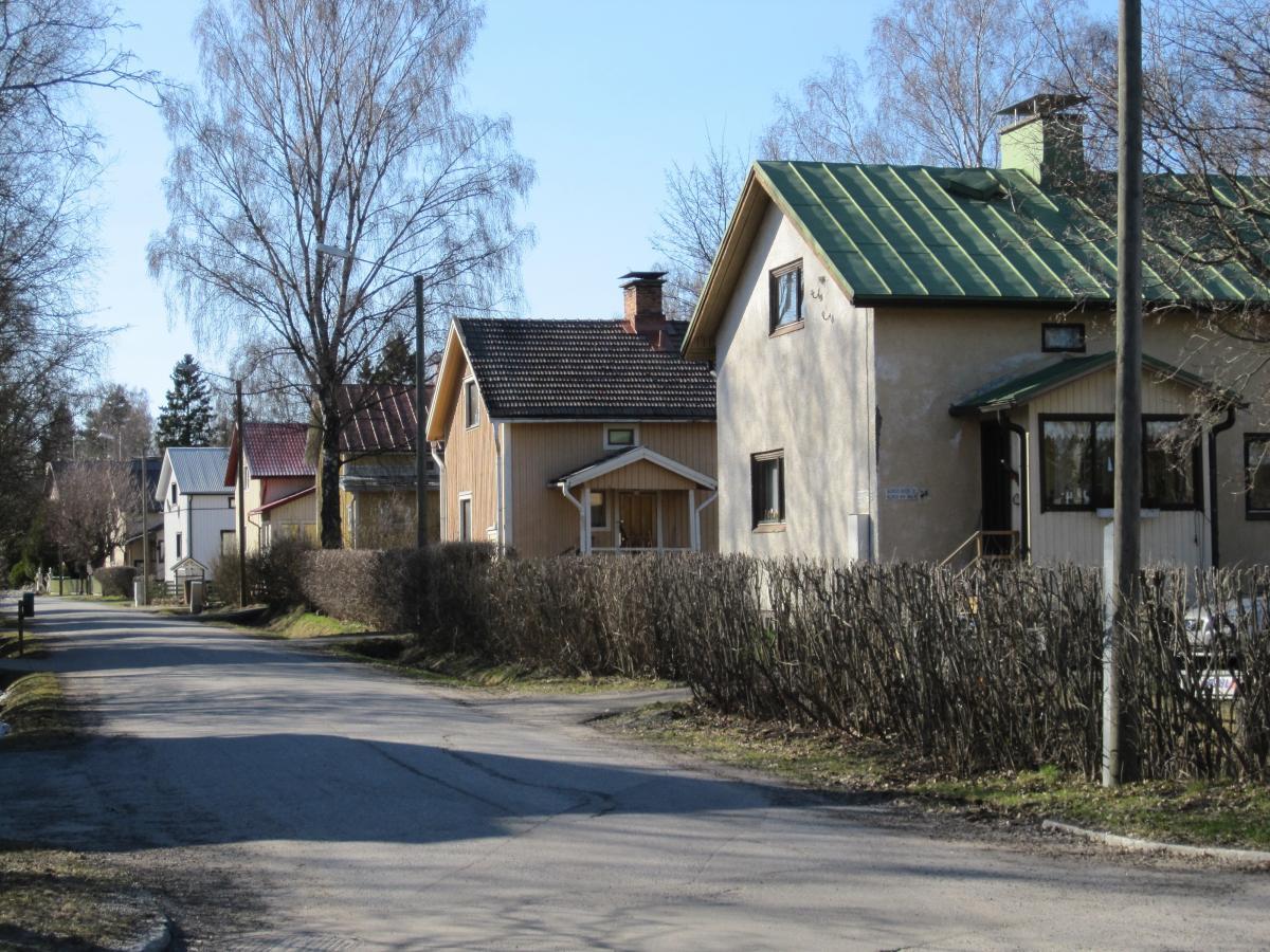 Katunäkymä Vaasan Asevelikylästä. Kuva: Tarja Hautamäki.