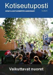 Kotiseutupostin kansikuva, jossa istuu ihmisiä nurmikolla Oulussa.