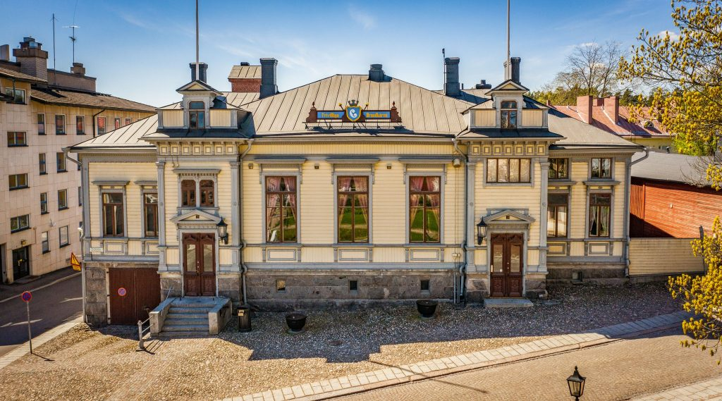 1890 rakennetun Porvoon VPK:n julkisivu